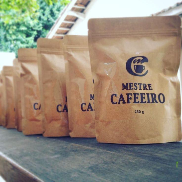 Dia internacional do café é dia de entregar café com torra fresquinha ! Entregas saindo neste minuto !  #mestrecafeeiro #café  #sjc #specialtycoffee #loja #cafezinho Fomos marcados nessas fotos ! obrigado !