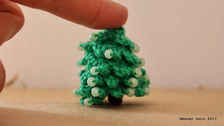 Tannebäumchen häkeln - Anleitung auf www.weanerantn.at #Baum #häkeln #Perlen #Weihnachten #Tanne