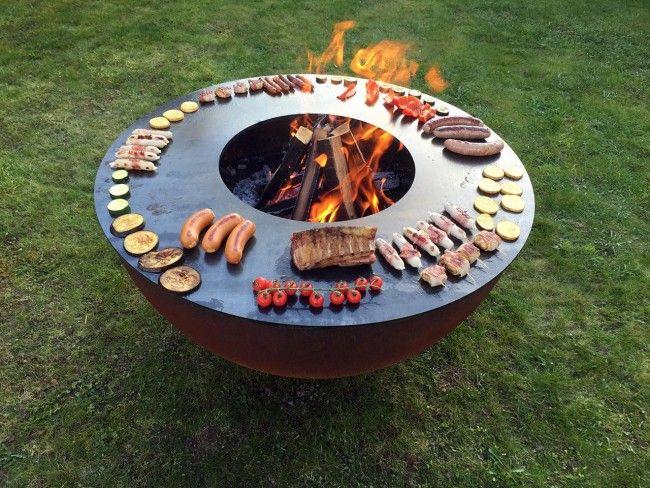 Diese Feuerkugel Bringt Richtig Gemutlichkeit Zum Vorschein Nicht Nur Mit Einem Gemutlichen Feuer Sondern Feuerschalen Garten Feuerschale Feuerstelle Garten
