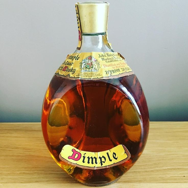 #repost @smithy360 Proud owner of this 1970's Dimple De Luxe Scotch Whisky which my Dad brought in 1973. #dimple #whisky #blendedwhisky #scotchwhisky #johnhaig dimpledeluxe 1970swhisky scotishwhisky 70proof oldwhiskybottle dimplewhisky whiskyclub worldwhiskyclub scotchwhiskycollection #dimplewhisky #dimplewhiskey