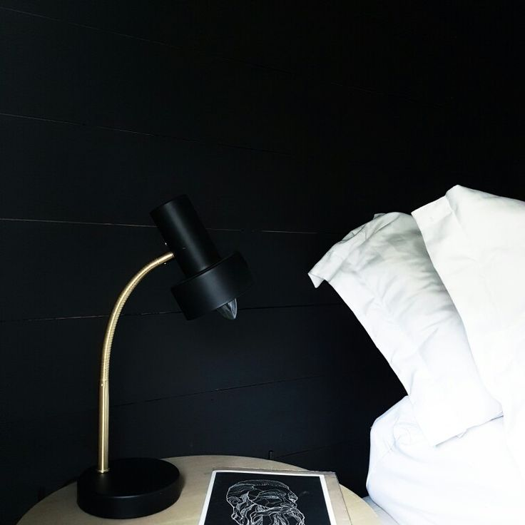 Black bedroom walls gold details and white sheets in my scandinavian home☀ Instagram: nisbaxter