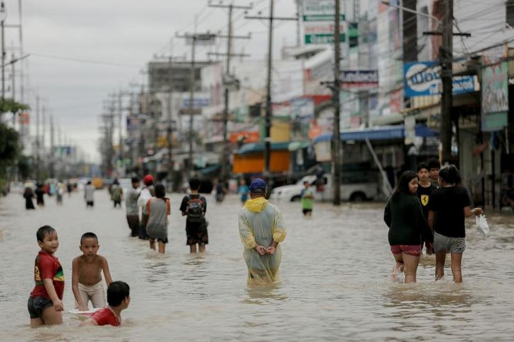 #world #news  Thai floods kill 21 and hit rubber production