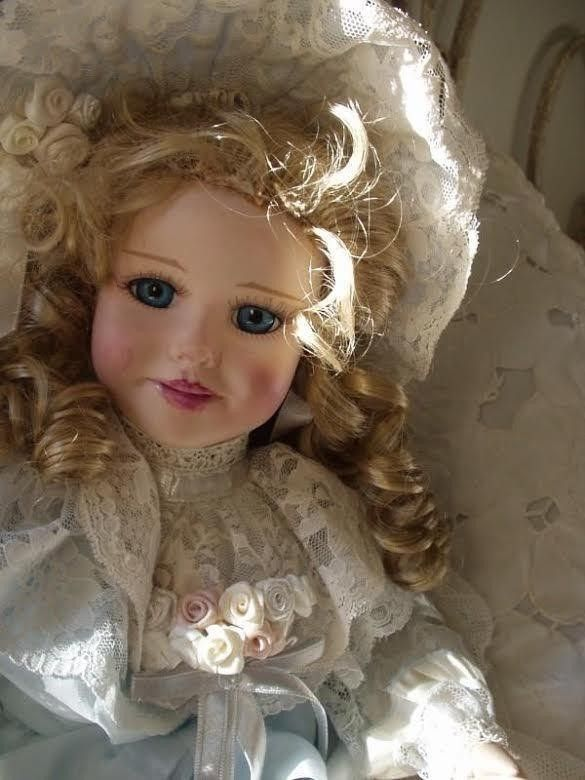 Corinne Layton *Artist Signed Doll Nicole for Asht…
