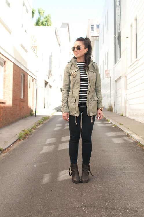 We love this effortlessly chic look of an #army #jacket for fall! All that's missing is the Merlot!Army Cargo Jackets, Armycargo Jackets, Army Green Jackets, Fall Winte, Fall Outfits, Vintage Fall Fashion, Vintage Brooches, Oversized Vintage, Army Jackets