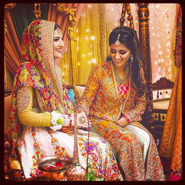 #smiles #Mehndi #colours #sister #love #loveyou #pakistani #weddings #tb #missthis #FarahTalibAziz @farahtalibazizdh @nomiansari