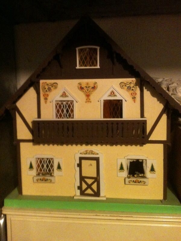 how to build a dollhouse roof