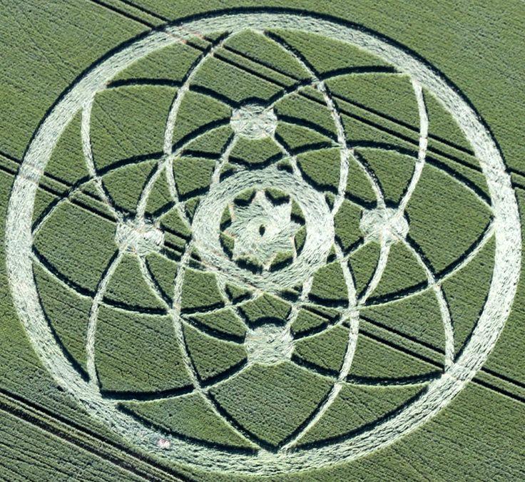 Crop Circle at Hackpen Hill, Near Broad Hinton, Wiltshire, United Kingdom. July 15, 2013