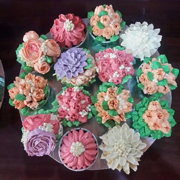 Buttercream Flower themed cupcakes