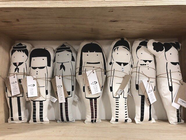 How adorable are these handmade handprinted dolls by Dee & Nee textiles