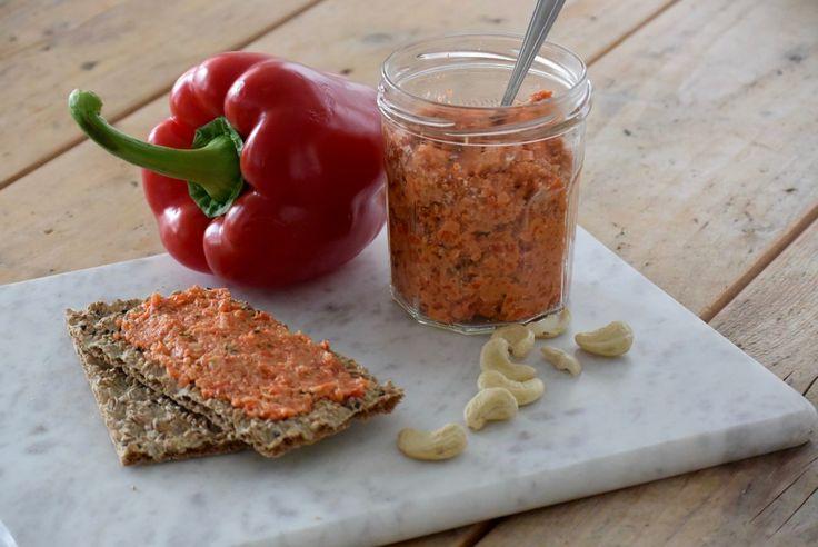 heerlijke spread met paprika's en cashewnoten.
