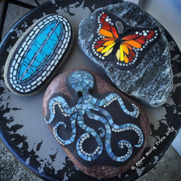 Mosaic on stone by Anne Marie Price www.ampriceart.com #AMPartStudio…