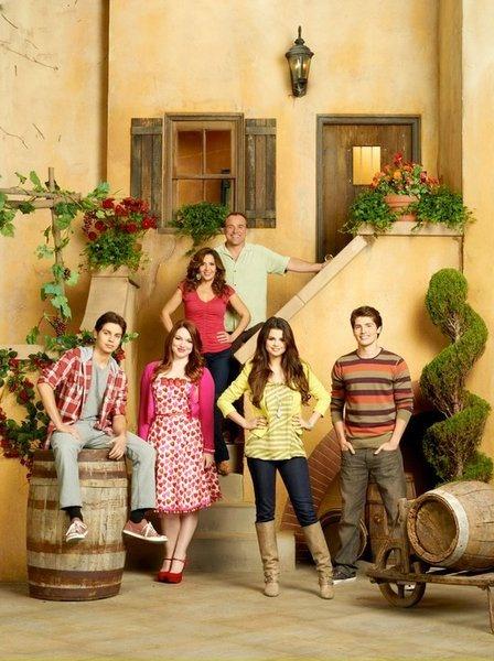 The Wizards Return: Alex vs Alex: le retour de Selena Gomez sur Family Channel - TVQC   TVQC