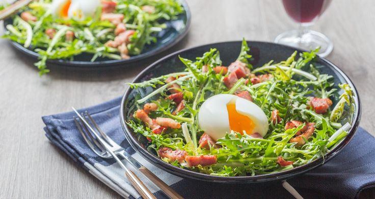 Salade de Pissenlit, Lardons & Oeuf mollet