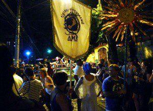 Bloco Unidos Venceremos desfila no pré-Carnaval da Vila Madalena
