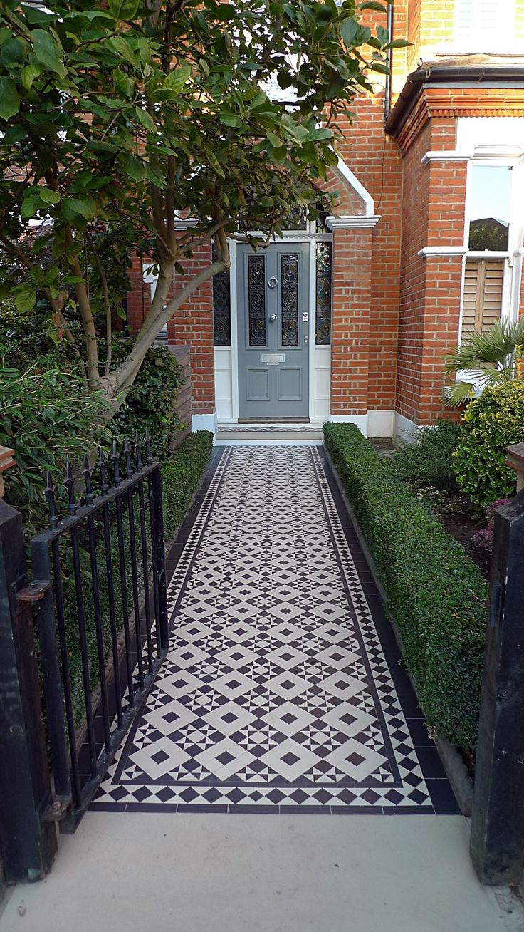 victorian black and white mosaic tile path battersea York stone rope edge buxus london front garden