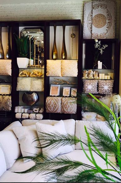 Organic Elements With A Touch Of Elegance.