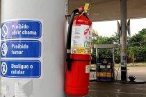 Novas regras para instalação de extintores de incêndio em locais de risco - http://noticiasembrasilia.com.br/noticias-distrito-federal-cidade-brasilia/2015/04/26/novas-regras-para-instalacao-de-extintores-de-incendio-em-locais-de-risco/