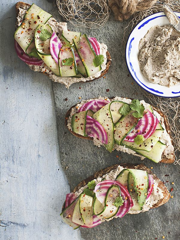 This smoked mackerel pâté is really easy to make but packs in a lot of flavour. Served with cucumber and pickled beetroot make it a bit more special.