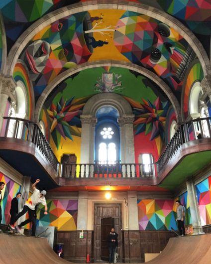 Inauguran murales de Okuda San Miguel en una centenaria iglesia transformada en skatepark