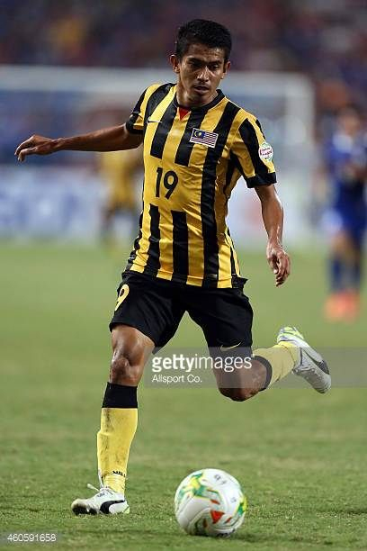 Azammuddin Mohd of Malaysia in action during the 2014 AFF Suzuki Cup final 1st leg match between Thailand and Malaysia at Rajamangala National...