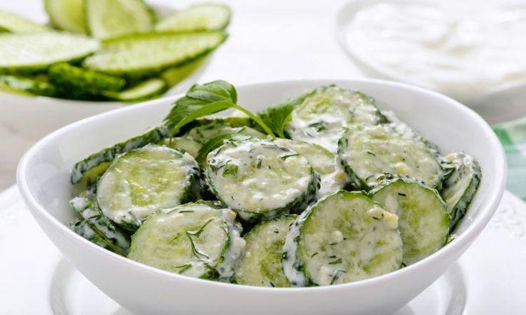 Une salade de concombres aussi fraîche qu'une brise maritime!