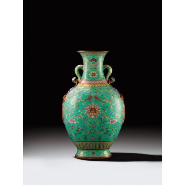 Important vase en porcelaine de la famille rose. Chine, Dynastie Qing, marque et époque Qianlong (1736-1795)
