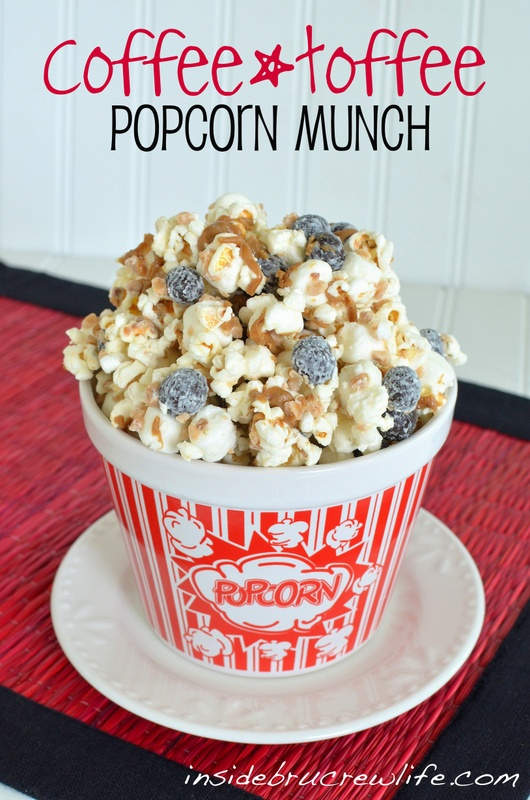 Need a caffeine boost? This Coffee Toffee Popcorn is just the thing you need. #coffee #popcorn