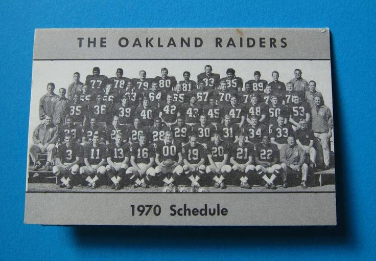 Vintage OAKLAND RAIDERS 1970 Pocket FOOTBALL SCHEDULE Team Photo ROGER HAGBERG