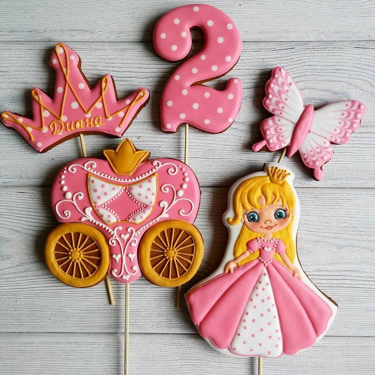 Милый наборчик для маленькой принцессы🌸🌸🌸  〰〰〰〰  Все детские можно посмотреть здесь  👉#gbvika_детки 👈  〰〰〰〰  #имбирныепряники #пряники #козули #сладкийстол #candybar #cookies #royalicing #казахстан #павлодар   #pvl #love