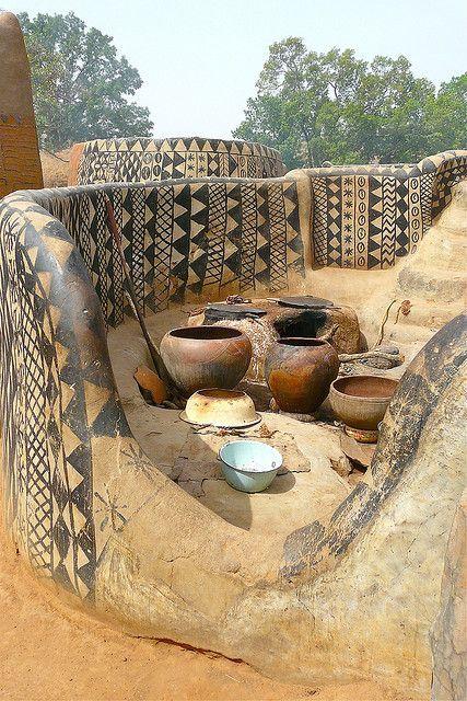 The Gurinsi homes of the Kassena people, Tiebele Burkina Faso