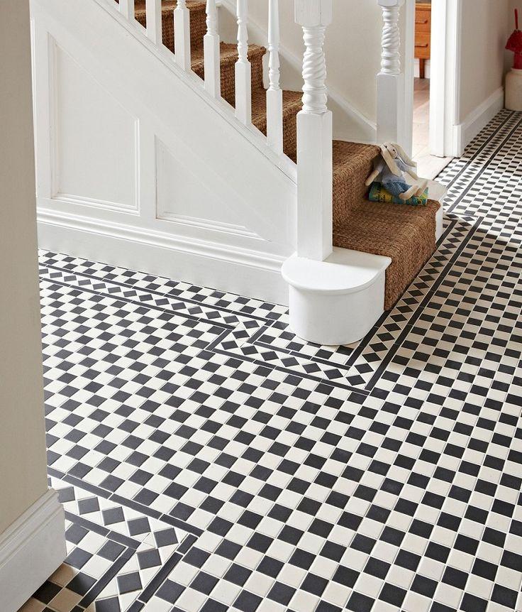 Victorian Black/White Corner Tile | Topps Tiles
