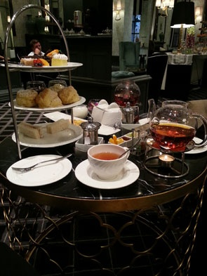 Joburg's Darling - High Tea @ 54 on Bath. One day when I'm feeling rich I'd love to go for an afternoon tea here. Sounds so decadent!