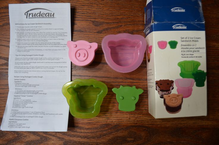Trudeau Set of 2 Ice Cream Sandwich molds. $8 Cow and Pig, cookie size, forms.