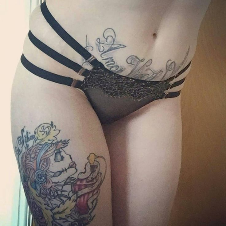 pictures of tattoos on girls pussys