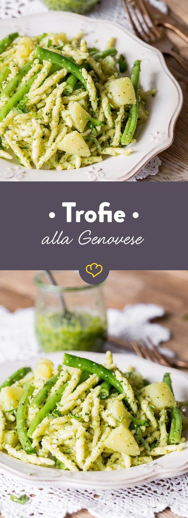 Um dein frisches Pesto richtig in Szene zu setzten, machst du es genau wie die Italiener. Misch das frische Pesto mit Trofie, Kartoffeln und grünen Bohnen.