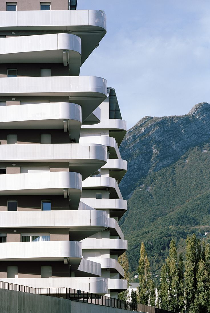 Balcony design ideas in apartment grenoble france home design and - Logements Quai De La Graille Grenoble France Ecdm Architectes Photo By Benoit Facadegrenobleprestonfrances O Connorbalconyarchitecture Furniture