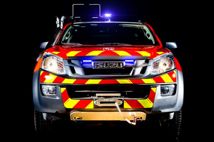 ISUZU D-Max adatto per la dimostrazione del corpo dei pompieri al salone dell'auto di Parigi 2014 #ISUZU #DMAX #Mondialauto