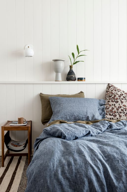 AVAILABLE FOR PRE-ORDER - SHIPS APRIL 18TH  100% French Flax Linen Duvet Cover with hidden tie closure Queen - 210 x 210cmKing - 245 x 210cm Pre-washed and e