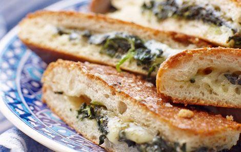 Fyldte brød med spinat og ost