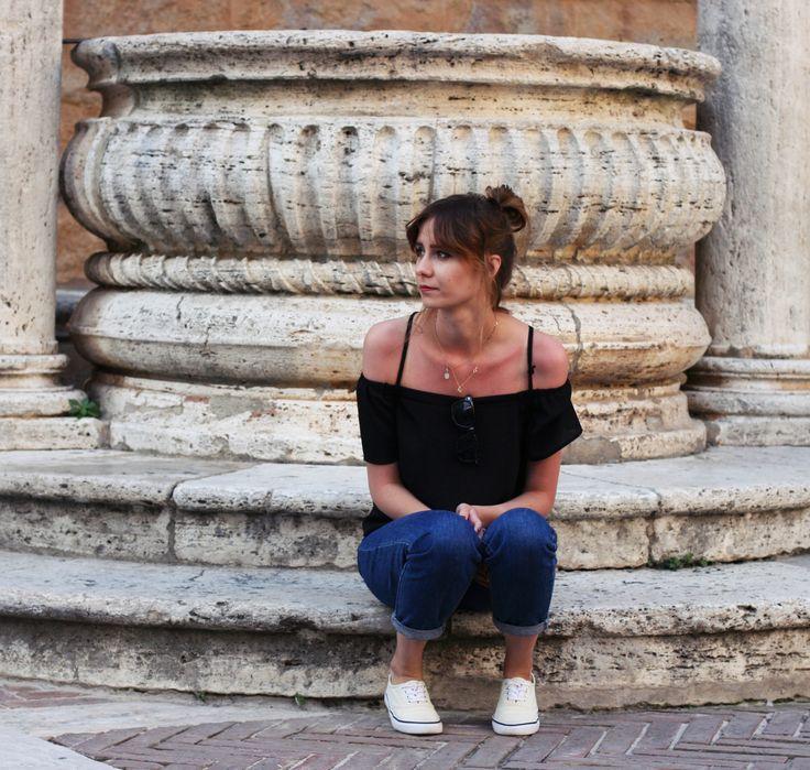 Happy friday :> #Tuscany #Toskania #italy #smallcity #Pienza #wakacje #vacation #holiday #polishgirl #travel #explore #lookingforinspiration #inspiration #lebaiser #fashion #kobieta #woman #bestoftheday #picoftheday #instafashion #instastyle #beautiful #romantic #ootd #sightseeing #Włochy #instatravel #lastdaysofsummer #offshoulder #fridaymood #lacelover