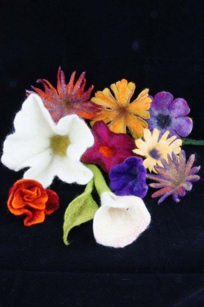 Talleres de fieltro, madrid, cursos artesania, cursos fieltro, fieltro artesanal, fieltro humedo,  flores de fieltro                                                                                                                                                     Más