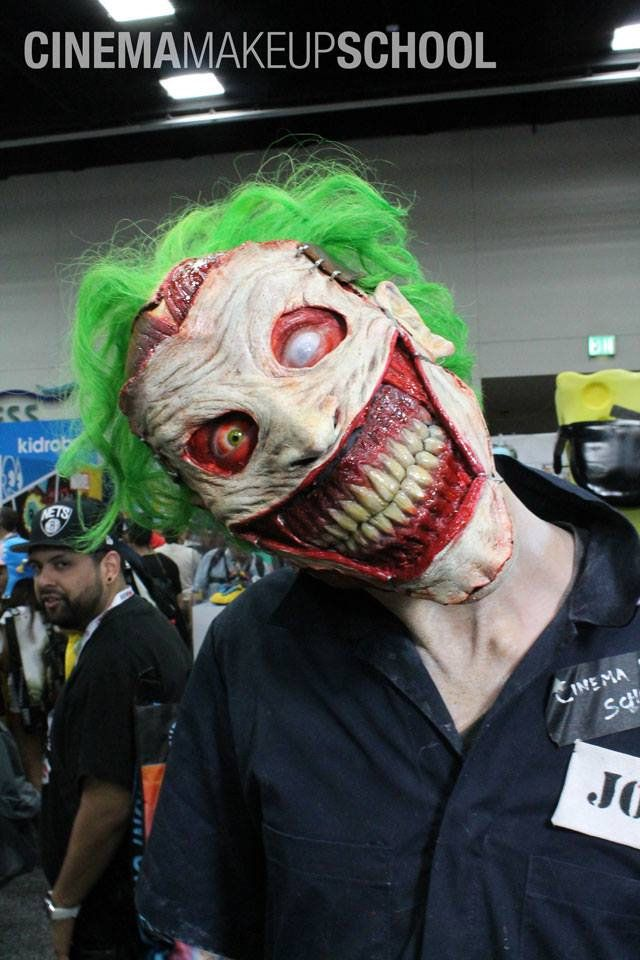 This is absolutely terrifying! This is a prosthetic and makeup job that brings the New 52 Joker character design to life in the most nightma...