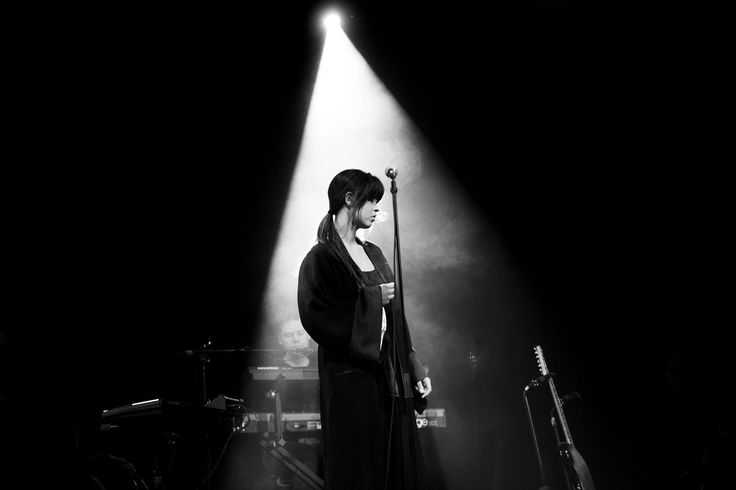 A few thoughts after shooting Maria Menas gig, a seated concert, at Ole Bull Scene in Bergen.