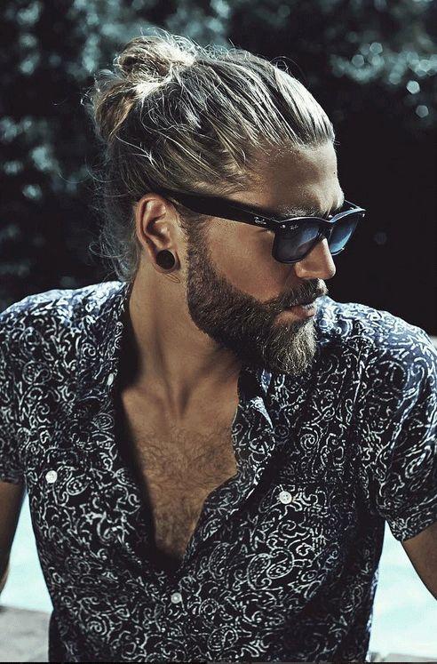 Le mannequin suédois Ben Dahlhaus est la preuve ultime que les cheveux longs sont vraiment tendance chez les hommes. Sur son compte Instagram, il aime se mettre en scène lui et sa crinière.