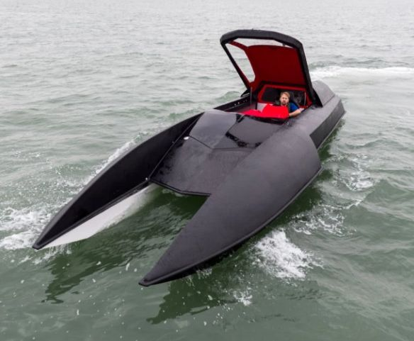An engineer from Hampshire has just spent the past five years in his dad's shed building a Batman-style leisure powerboat (or Batboat, as it's known in the DC Comics series).