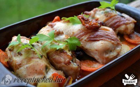 Baconbe göngyölt csirke recept fotóval