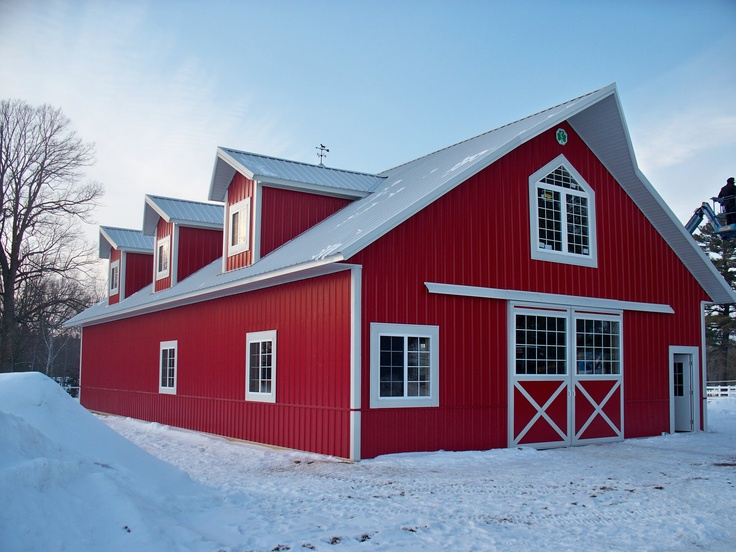 Horse Barns & Arena         Some good ideas to consider when considering building a barn.