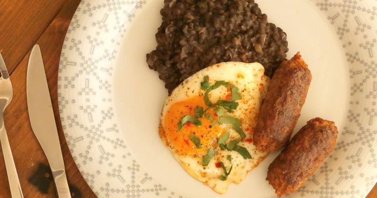 Čočku může můj manžel kdykoli. Někdy, když neví, co by si dal k večeři, zavolá z práce - namoč mi trošku čočky, dám si jí s vajíčkem. ...
