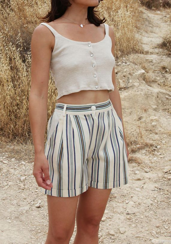 Vintage beige green striped pleated bermuda summer shorts.size