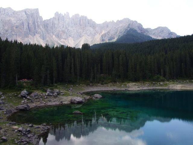 Lago Di Carezza: una vacanza nel Trentino con paesaggi meravigliosi e clima piacevole #travel #italy